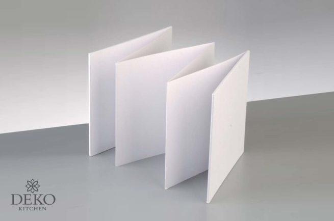 Leporello mit weißem Pappeinband, 6 Seiten, 15 x 15 cm
