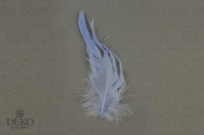 Dekofedern hellblau, 5g