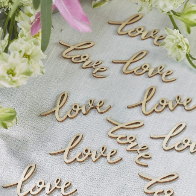 """Holz-Streudeko """"love"""" für hübsche Tischdekos und als Anhänger"""