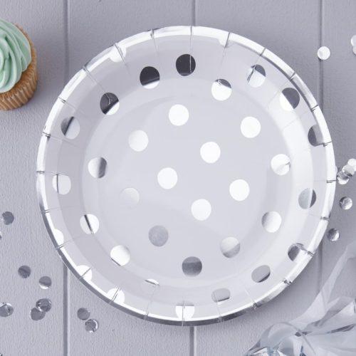 Pappteller mit silbernen Polka Dots